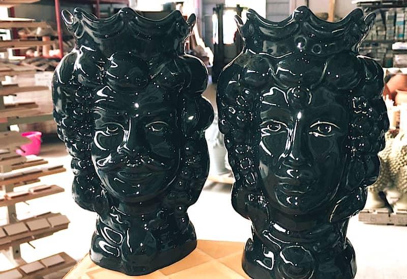 les pots décoratifs tétés de maure siciliennes