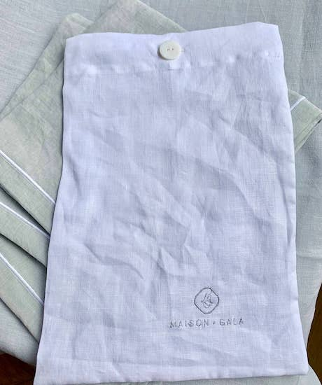 packaging tablecloth